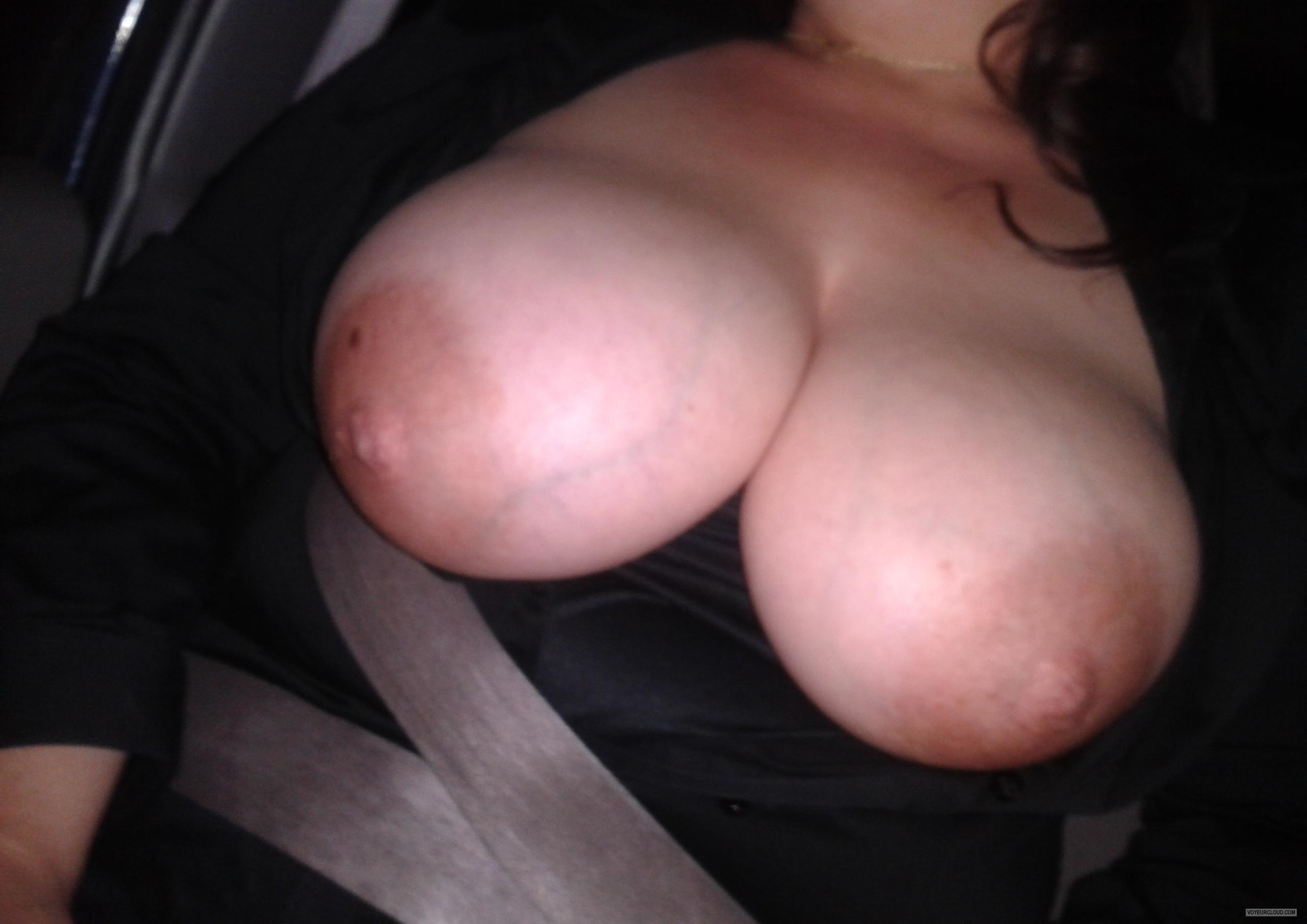 Tit Flash: Wife's Big Tits - Mmmounds from United States